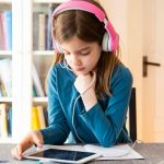 About Flexibility in Learning Through Education Apps